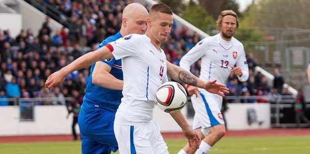 İzlanda'dan Çekler'e darbe