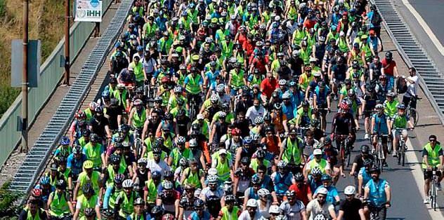 10 bin kişi köprüyü geçti