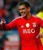 Maxi Pereira yolu açtı