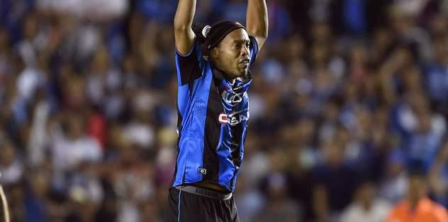 Ronaldinho resmen açıkladı