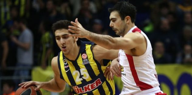 Fenerbahce sign Olympiacos playmaker