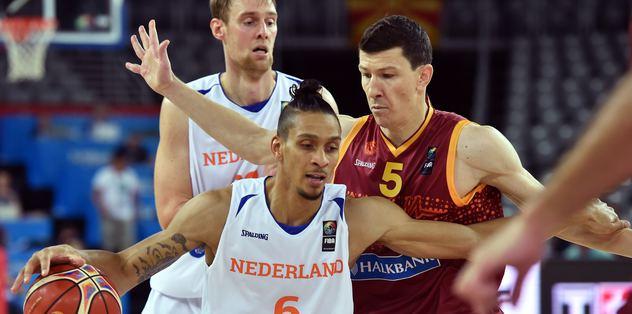 Makedonya, Hollanda karşısında güldü