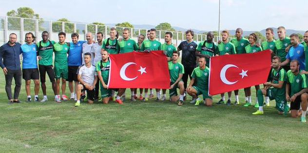 Bursaspor'dan şehitlere saygı