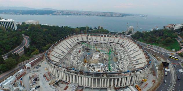 Ve Arena'nın çatısı ilerliyor