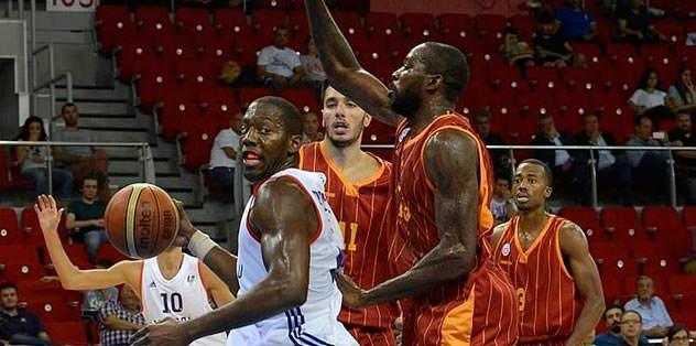 Basketbolda çifte zafer