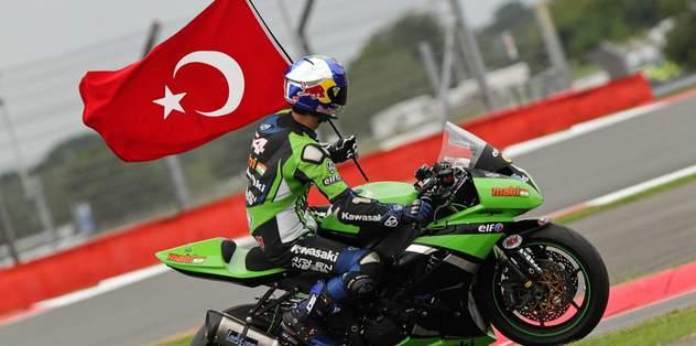 Sofuoğlu dünya şampiyonu!