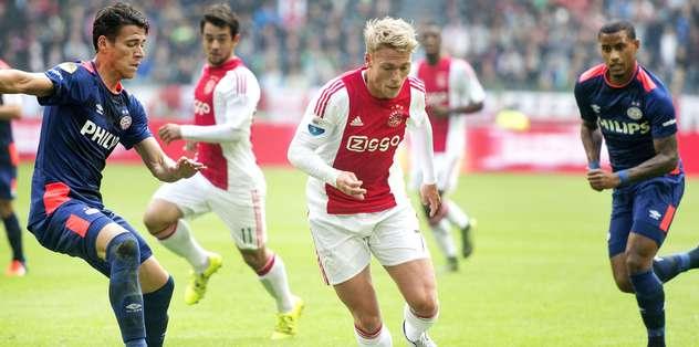 PSV'ye evinde boyun eğdi