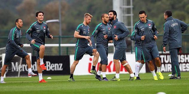 Milliler, Çek maçına hazırlanıyor