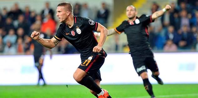 UEFA, Podolski ve Sneijder'i sordu