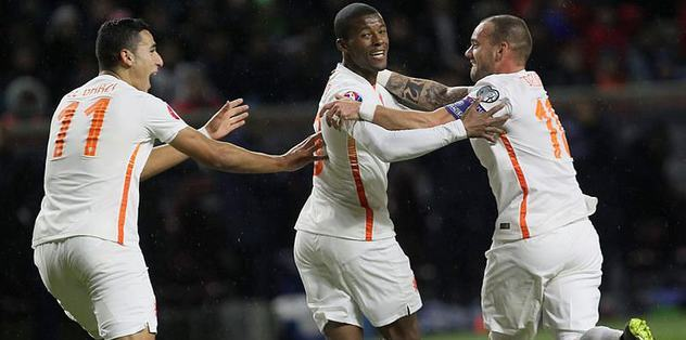 Sneijder, Kazakları yıktı