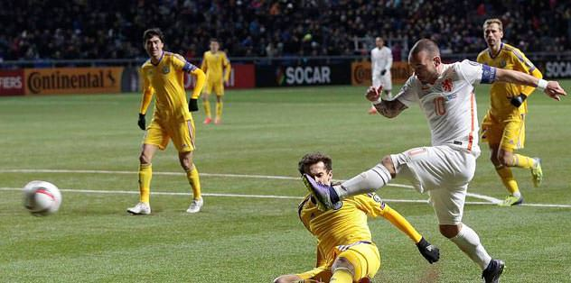 Sneijder attı, Portakallar kazandı