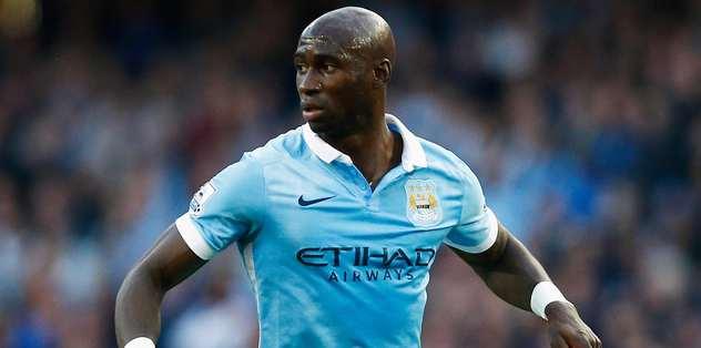 Manchester City'ye Mangala şoku