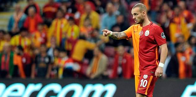Sneijder alkışlarla