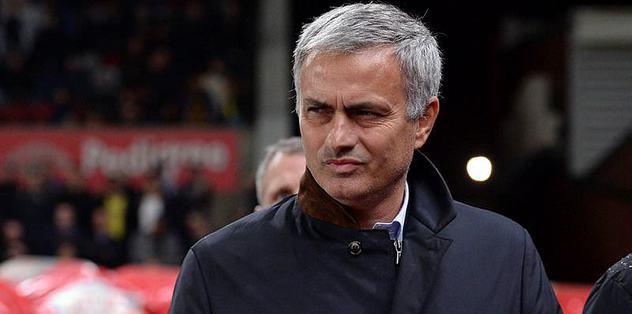 Jose Mourinho accuses 'stupid' ex-players