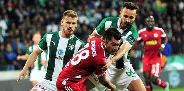 Sivok Beşiktaş maçında cezalı