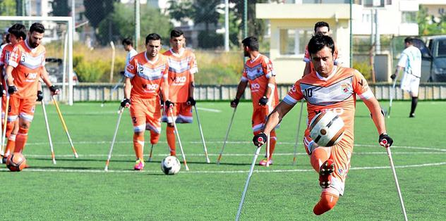 Ampute futbolda lider Antalya