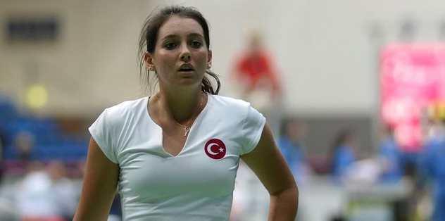 Milli tenisçiler yeni yıla galibiyetle başladı
