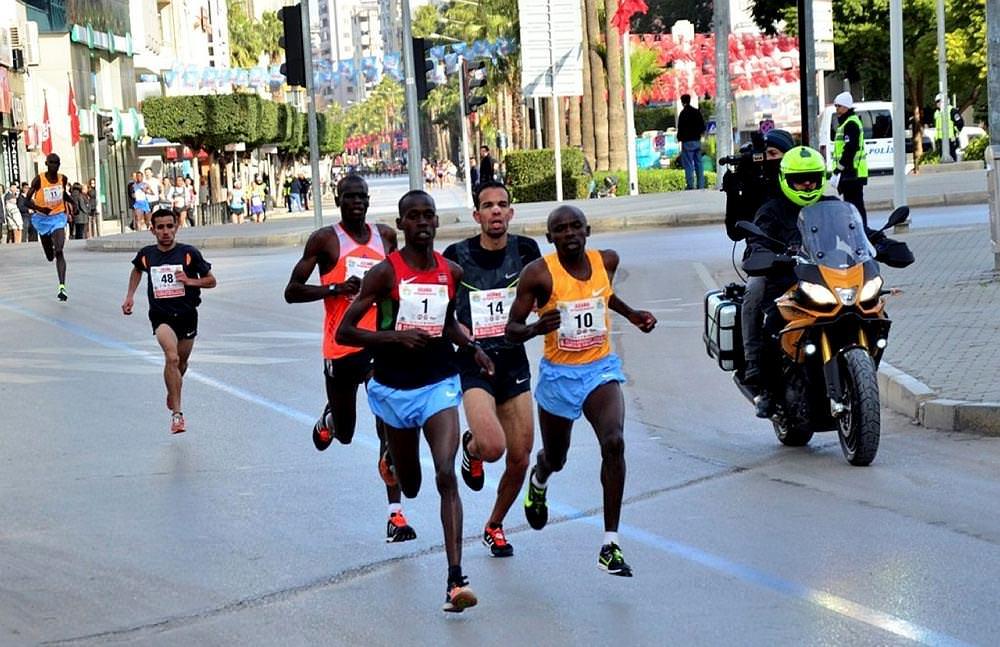 5 Ocak Adana Yarı Maratonu koşuldu