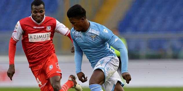 Lazio ligde puan kaybetti