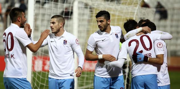 Trabzonspor Adana'da turladı