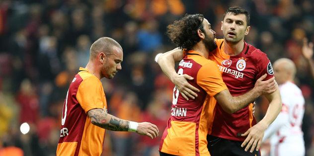 Sneijder ve Burak geri döndü