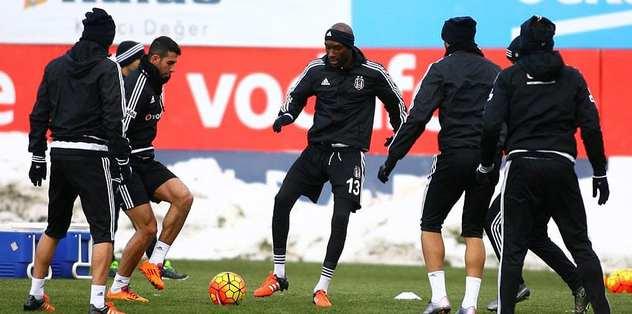 Beşiktaş'ın derbi kafilesi belli odlu
