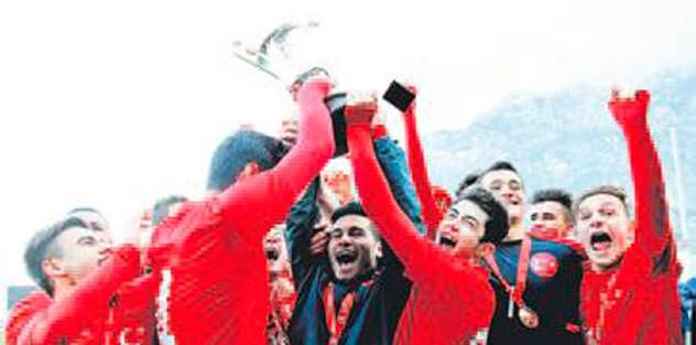 Mercedes Cup'ta şampiyon Türkiye