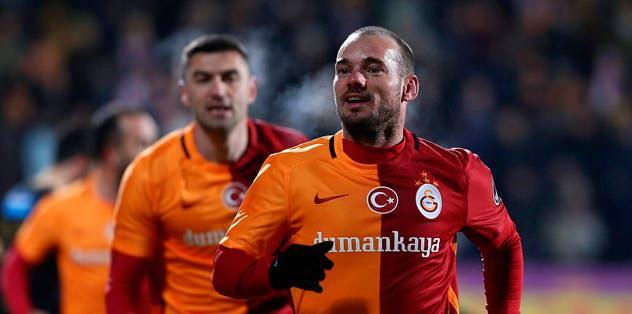 Sneijder'in kararı Yolanthe'ye bağlı