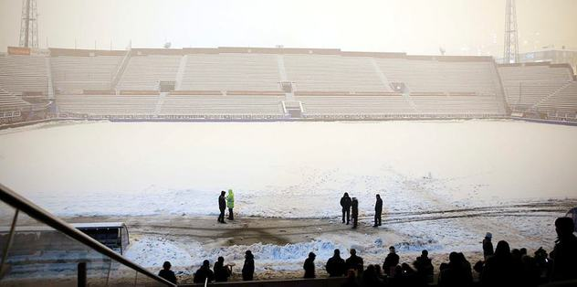 Another snowfall interrupts derby match