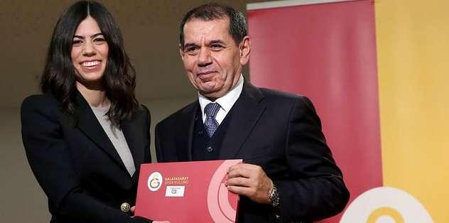 Özbek'ten kızına berat