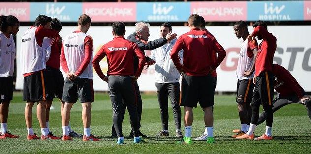 Sneijder ve Hamit'te son durum ne?