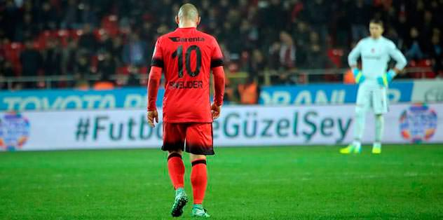 Sneijder ayrılmayı düşünüyor