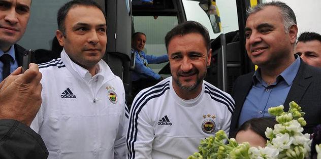 Fenerbahçe kafilesine çiçekli karşılama