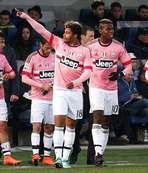 Juventus liderliğini sürdürdü