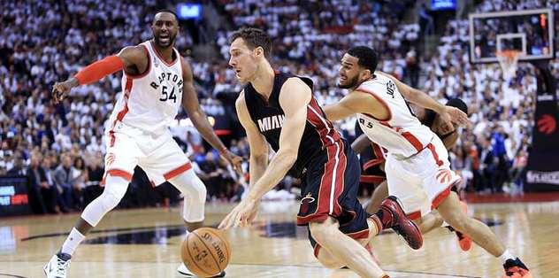 Raptors evinde Heat'i devirdi