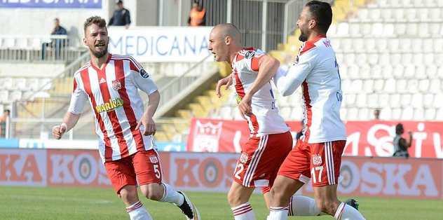 Sivasspor'dan çok kritik galibiyet!