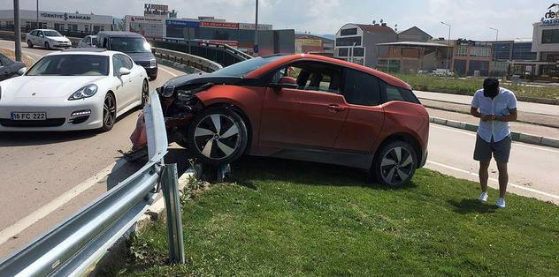 Sercan Yıldırım trafik kazası geçirdi