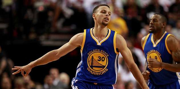 Stephen Curry rekorla döndü