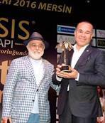 Onur ödülü Sinan Vardar'a...