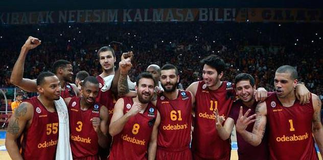 Anadolu Efes lider Galatasaray üçüncü