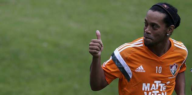 Ronaldinho imzayı atacak