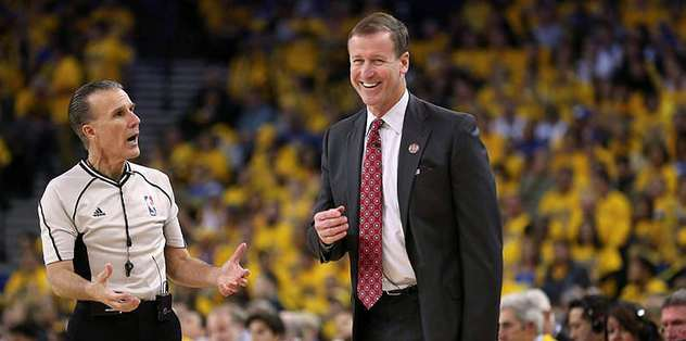 Stotts agrees contract extension