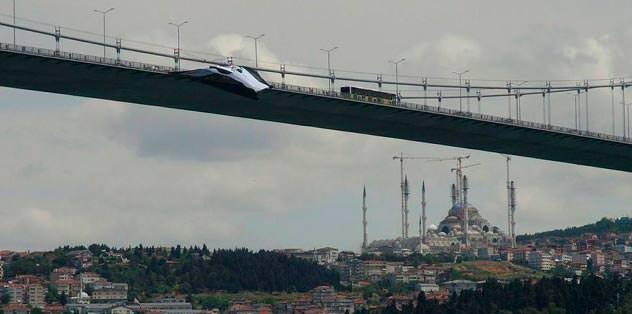 Boğaz Köprüsü'ne 2. bayrak