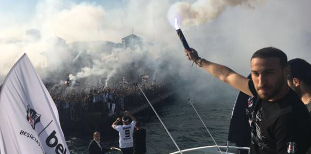 İstanbul boğazında Beşiktaş konvoyu