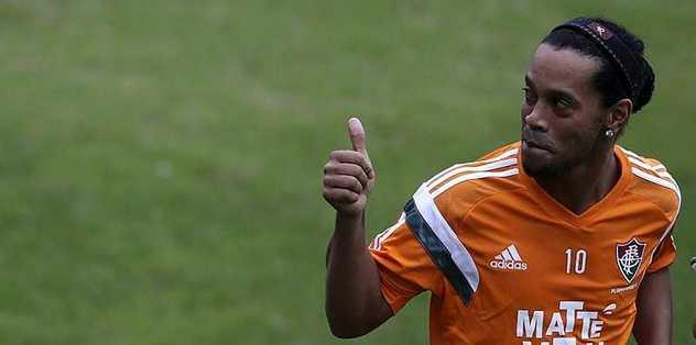 Ronaldinho geliyor mu?