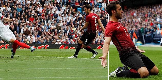 Hakan Çalhanoğlu'ndan tarihi gol