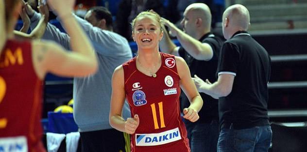 3 yıl daha Galatasaray'da