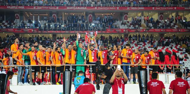 Fenerbahçe'den takım halinde şok hareket!