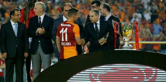 Finalin MVP'si Podolski