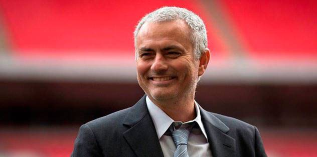 Manchester United appoints Mourinho
